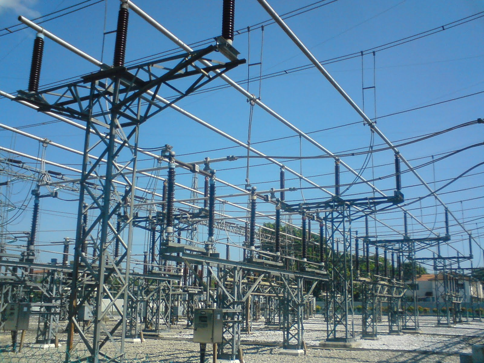 electrical substation Did you ever wonder about those substations you see all around your neighborhood power systems engineer bob ringlee tells us the basics about power substati.